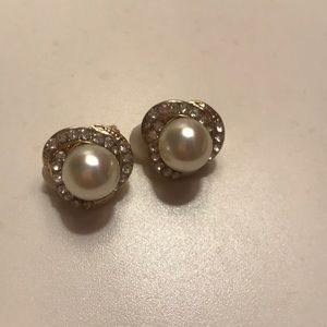 CLOSING Charming Charlie Clip on Earrings